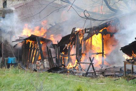 Пожар в доме 2