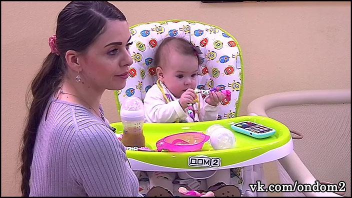 В эфире случайно вскрылось, что дочь Ольги Рапунцель, Василиса Дмитренко, серьёзно больна.