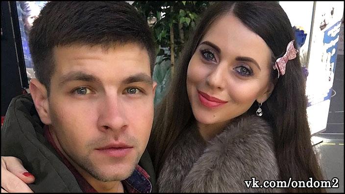 Выяснилось, сколько каждый месяц Дмитрий Дмитренко и Ольга Рапунцель откладывают на покупку квартиры.