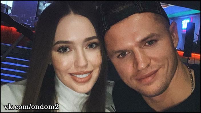 Дмитрий Тарасов повёз Анастасию Костенко в отпуск туда, где обожает отдыхать Ольга Бузова.