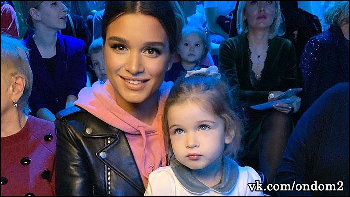 Ксения Бородина сделала потрясающий сюрприз для маленькой Теоны Омаровой.