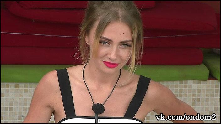 Рита Ларченко не раньше шестого месяца готова признаться, что беременна