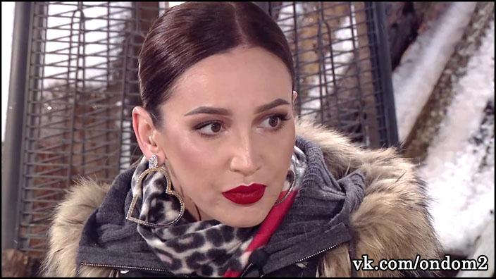 Ольга Бузова свалилась от усталости прямо в гримерке