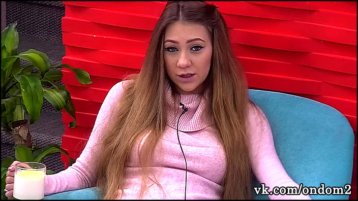 Алёна Савкина долго колебалась, но вчера приняла окончательное решение