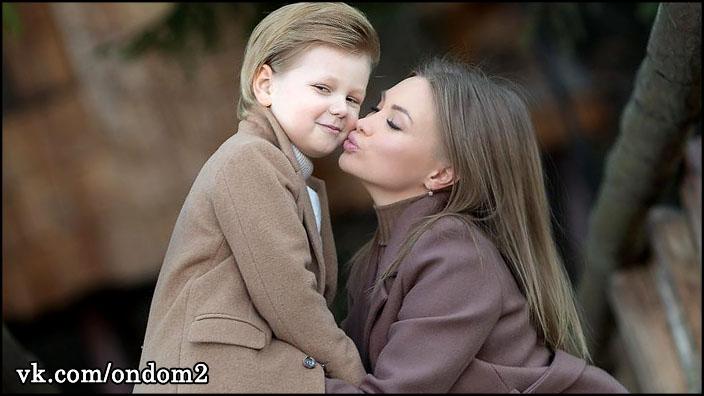 Феофилактова удивила рассказом, как она ухаживает за волосами сына