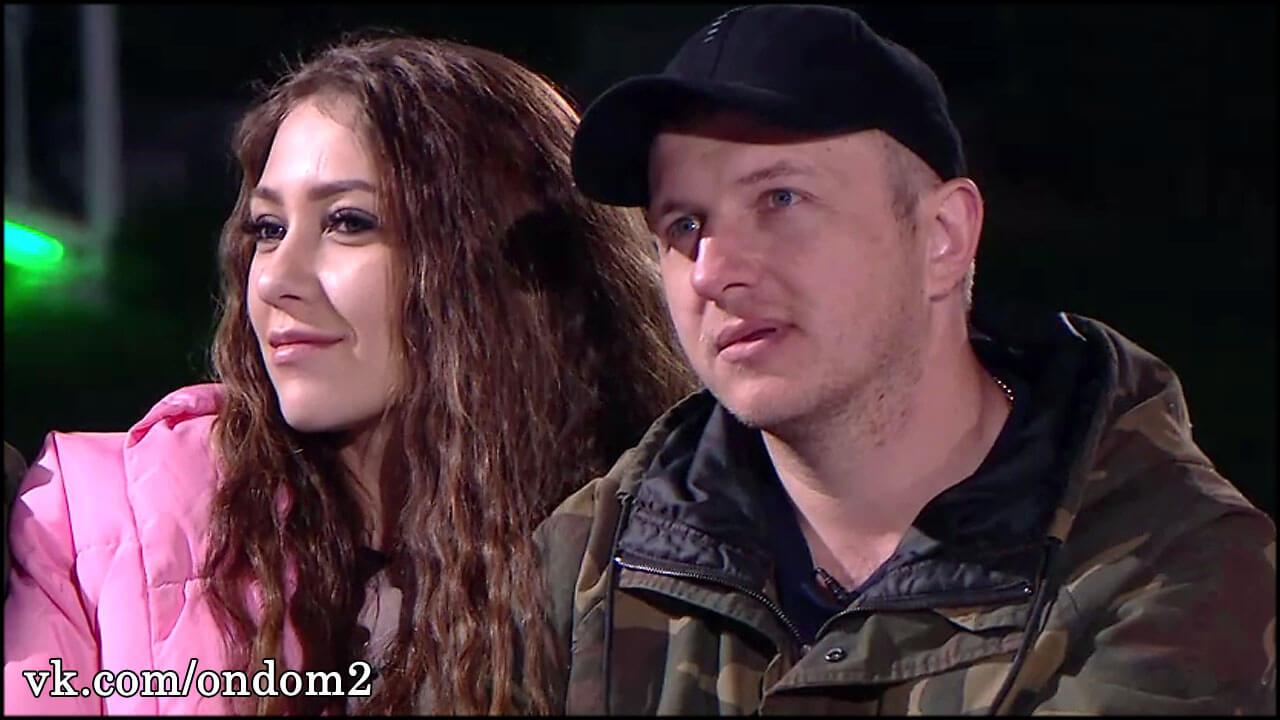 Первое видео Савкиной на фоне их новой с Яббаровым машины за семь миллионов