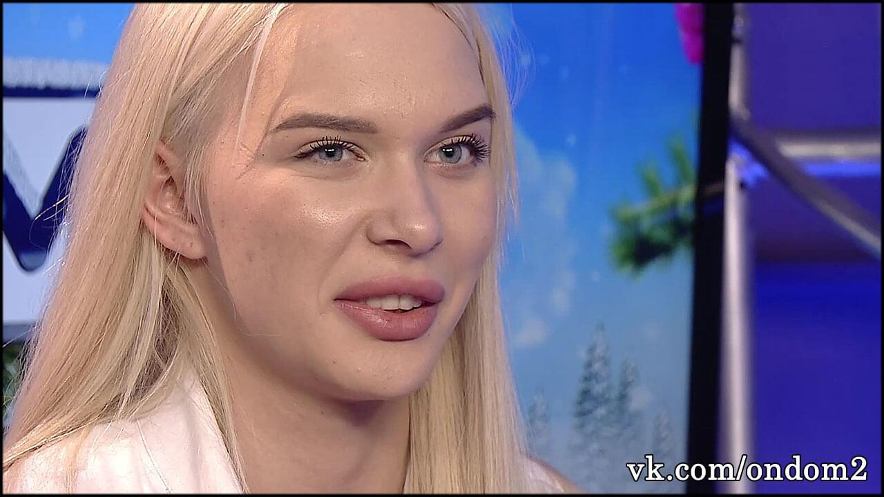 Восемнадцатилетняя Яна Шевцова показала подросшего сына + фото
