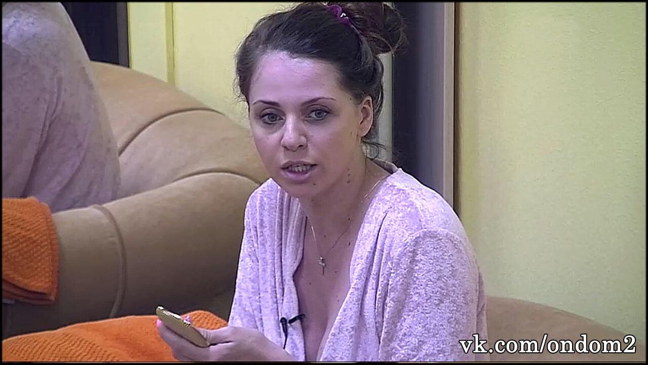 Подписчики заметили, что Ольга Рапунцель не побрила промежность + фото