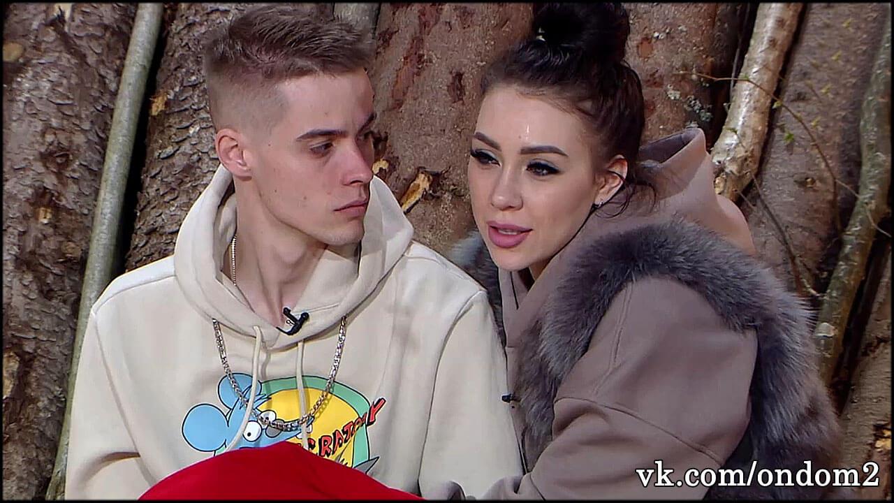 Хейтеры показали Максиму Колесникову, какой была Савкина до пластики + фото