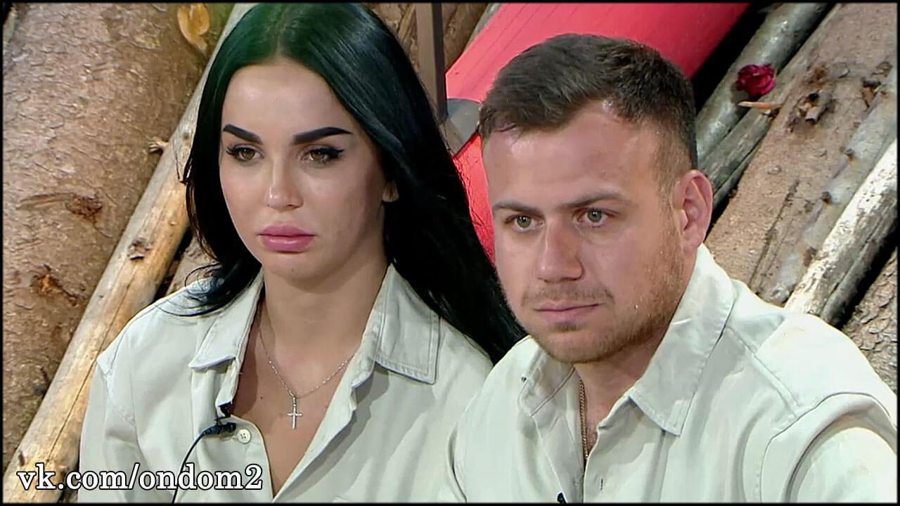 Пока Валера готовится к свадьбе с Левченко, подписчики переживают, что его дочь выпадет из окна + фото