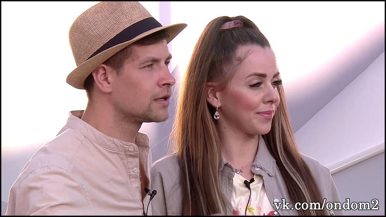 Впервые с момента рождения дочери Рапунцель и Дима вышли в свет + видео