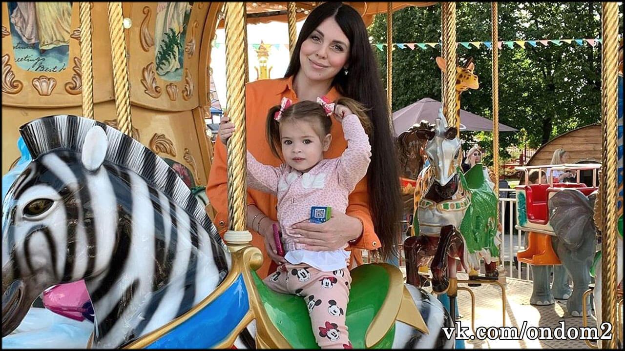 Другие родители были в шоке от переполненного подгузника Василисы Рапунцель + фото