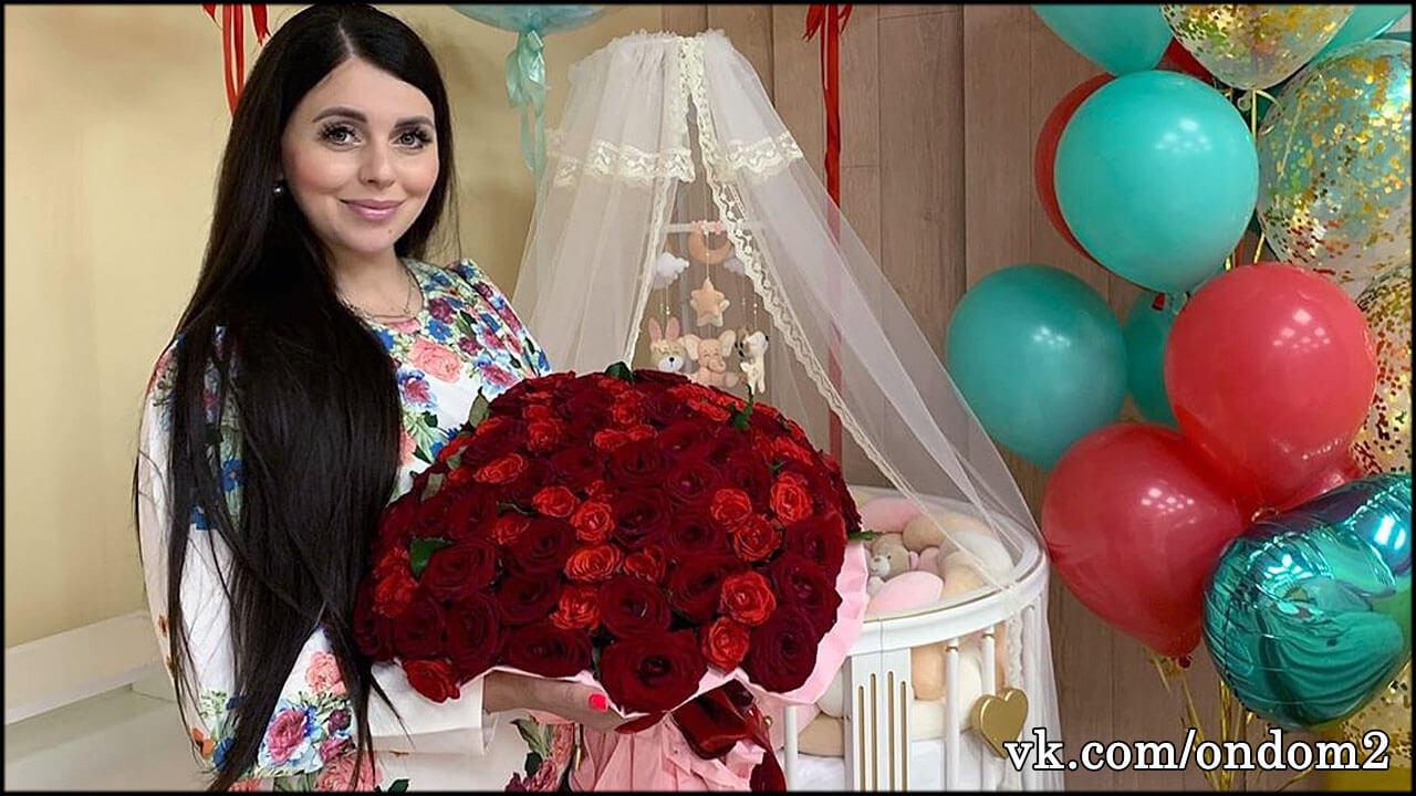 Ольга Рапунцель объявила имя младшей дочери и показала её лицо + фото